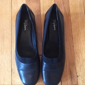 Easy Spirit Leather Slip Ons 7.5
